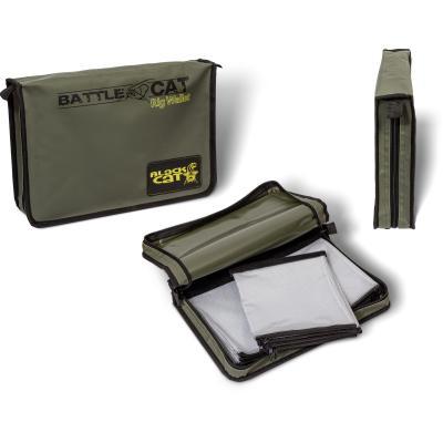 Black Cat Rig Wallet Pro L: 25cm W: 35cm H: 8cm